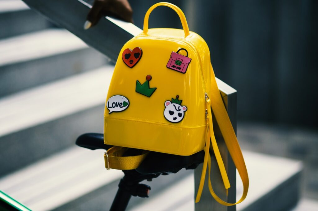torebka czy plecak do szkoly