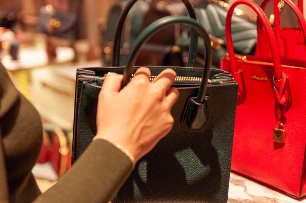jaka torebka dla puszystej kobiety